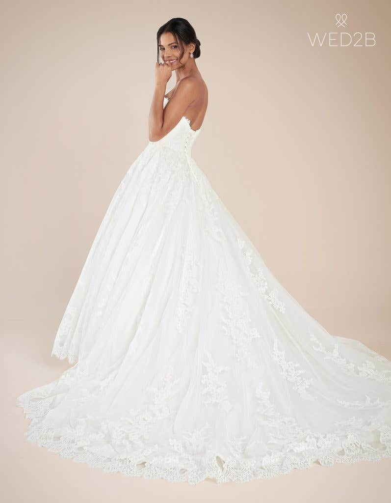 Back view of luxury wedding dress Georgette by Anna Sorrano