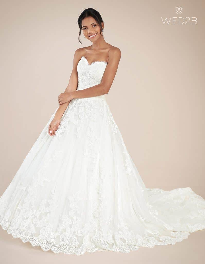 Front view of luxury wedding dress Georgette by Anna Sorrano