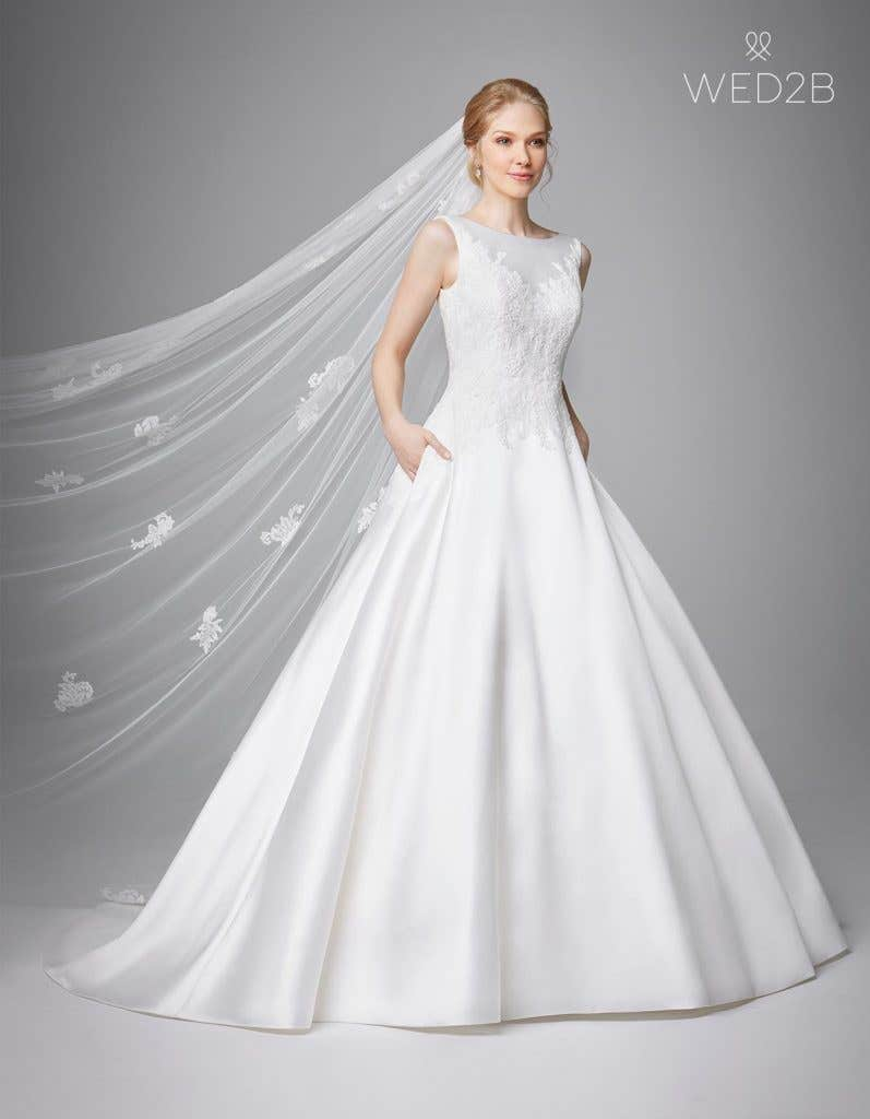 Front view of luxury wedding dress Phillipa by Anna Sorrano
