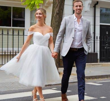 Hit the town with an elegant city hall wedding